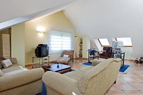 Ambassador agencia inmobiliaria madrid venta de casas for Abuhardillado