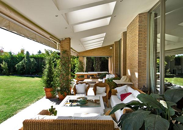 Ambassador agencia inmobiliaria madrid venta de casas pisos y chalets de lujo - Disenos de porches de casas ...