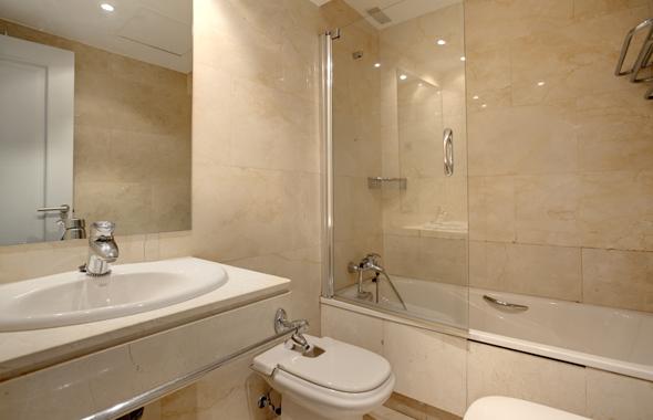 Ambassador real estate for Banos marmol beige