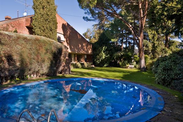 Chalet de lujo madrid affordable las mejores casas de la for Pisos baratos hortaleza