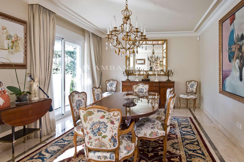Vista del comedor ubicado a continuación de la sala de estar