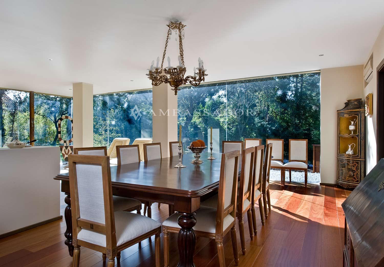 Vista del comedor, un espacio integrado en el salón