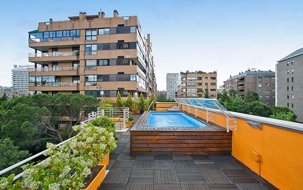 Ambassador agencia inmobiliaria madrid venta de casas - Piscina terraza atico ...
