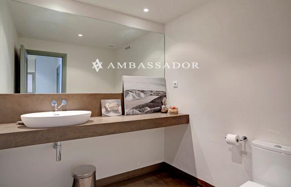 Ambassador real estate - Lavabo microcemento ...