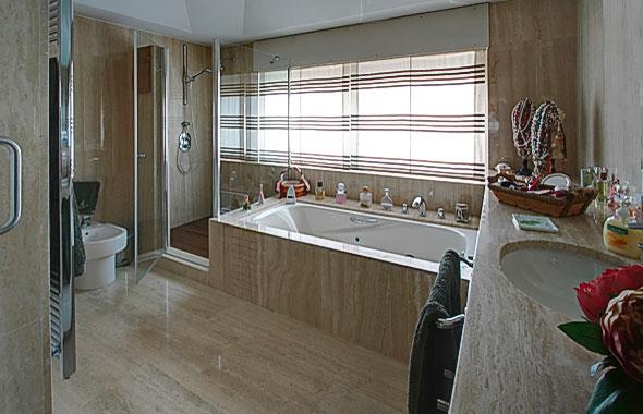 cabinas de bao natural disponen de cabina de ducha este adems de baera de cabinas de bao dimensiones