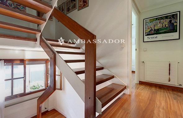 Ambassador real estate for Como hacer escaleras de hierro con descanso