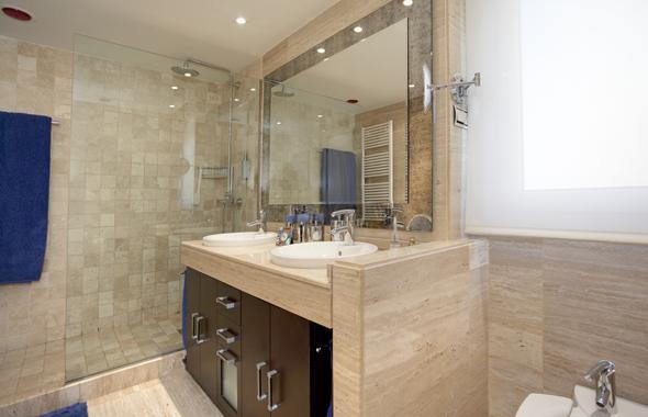 Baños Hermosos Fotos: bonitos frentes en madera lacada en blanco roto, a juego con la