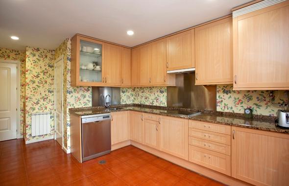 Ambassador real estate for Cocinas empapeladas