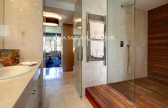 Ambassador real estate - Duchas de madera ...