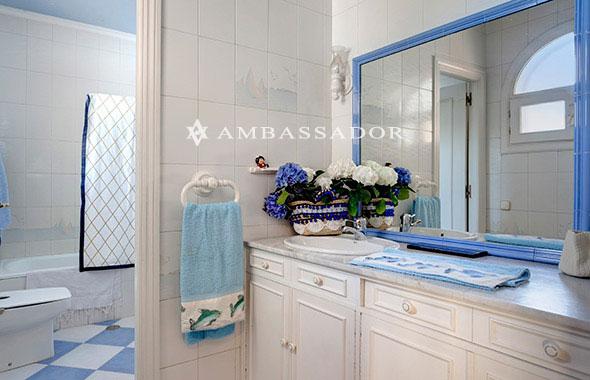 Azulejos Baño Juvenil: azulejo y disponen de bañera o cabina de ducha Este baño juvenil