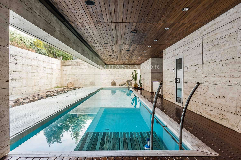 Magnífica piscina climatizada.