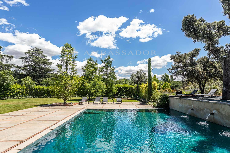 Agradable piscina.