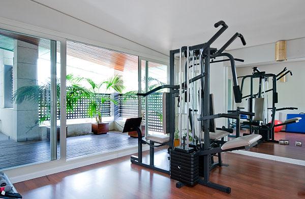 Ambassador agencia inmobiliaria madrid venta de casas pisos y chalets de lujo - Casa con gimnasio ...