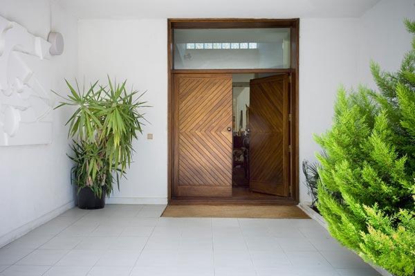 Casas impresionantes foros de debates de coches for Puertas de madera para entrada principal de casa modernas