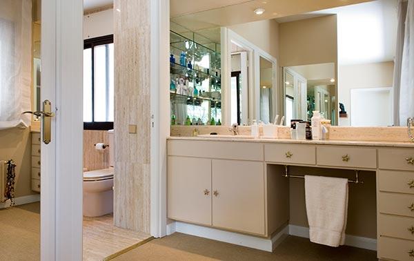 Ambassador agencia inmobiliaria madrid venta de casas pisos y chalets de lujo - Cuartos de bano con paves ...