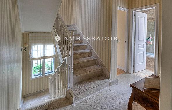 Ambassador referencia c8613 - Jardineras en escalera ...