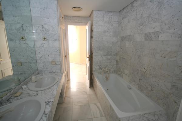 Ambassador referencia c8681 p gina 4 for Como limpiar marmol de carrara