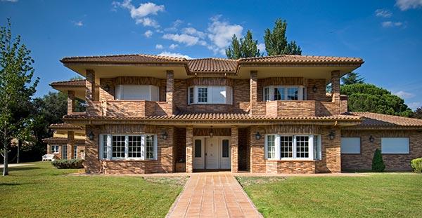 Ambassador agencia inmobiliaria madrid venta de casas for Planos de chalets de lujo