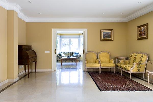 Ambassador agencia inmobiliaria madrid venta de casas for Pisos elegantes para sala