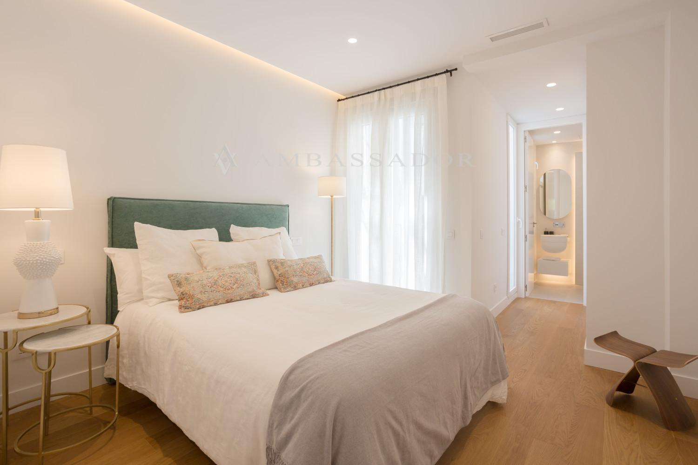 Uno de los tres dormitorios con su cuarto de baño en suite.