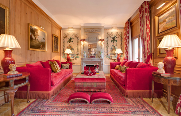 Majestuoso salón, con fantásticos ventanales y agradables vistas