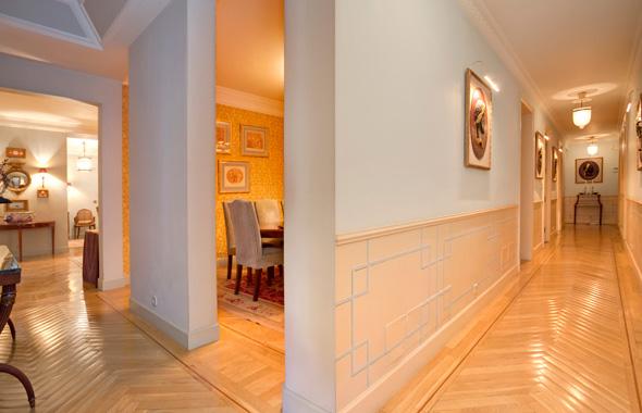 Ambassador real estate for Moqueta pasillo