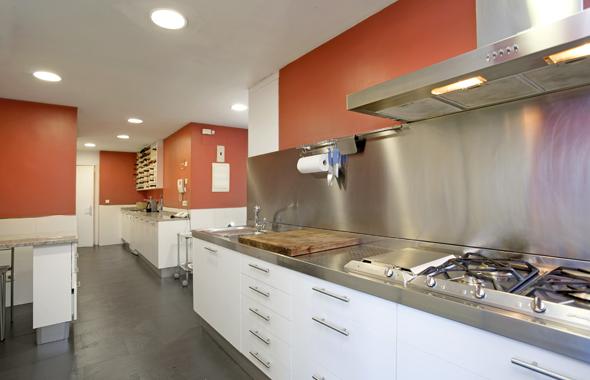 Pintar paredes cocina papel pintado imitacin ladrillos - Cocinas pintadas ...