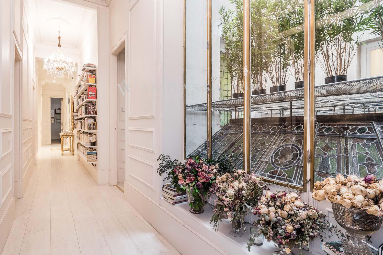 Toda esta zona con grandes balcones y miradores que hacen que estas estancias tengan una gran luz natural.